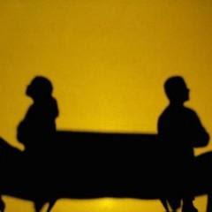 طرق حل الخلافات بين الزوجين - زوجان متخصمان - sad couple fight marriage