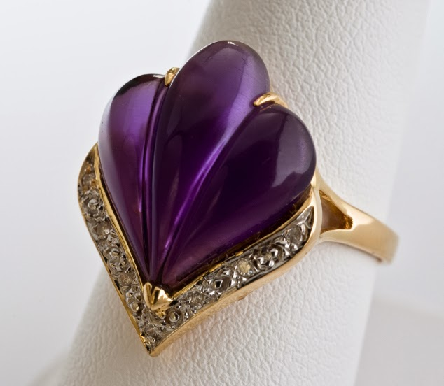 Scallop carved Amethyst gemstone