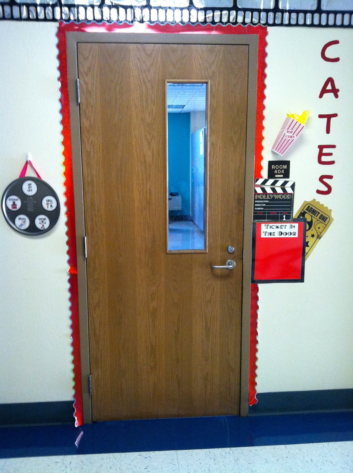 The Hallway Is Hollywood Themed  Still Have To Decorate The Door.