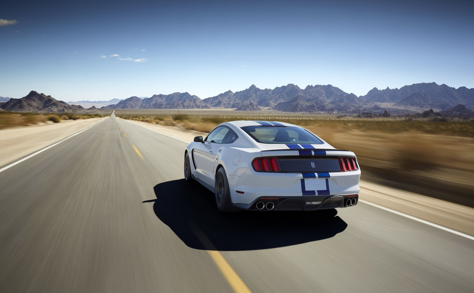 New-Ford-Mustang-Shelby-GT350-25.jpg