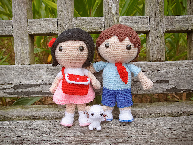 crocheted sweet couple with cat amigurumi