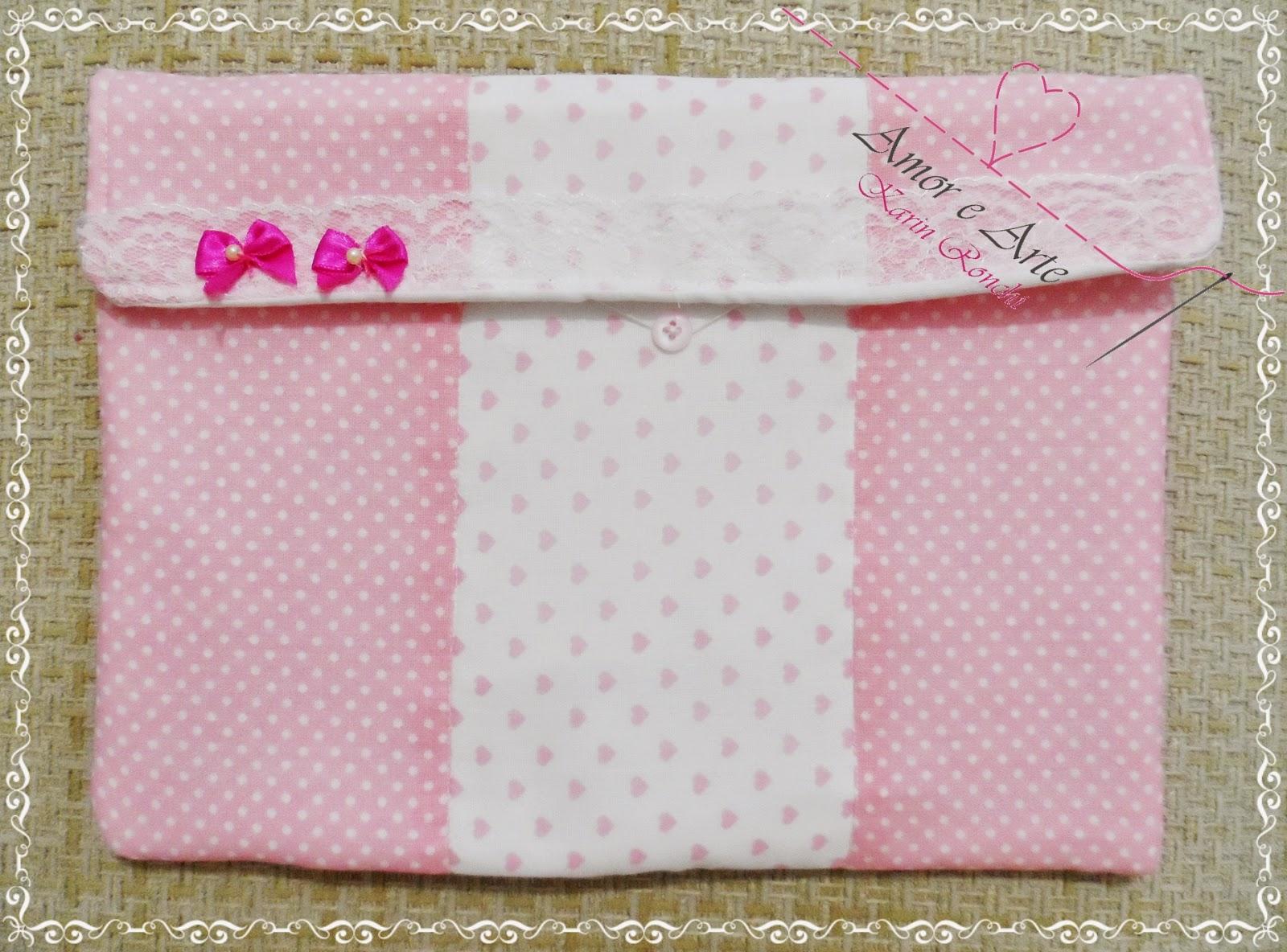 Case para tablet, capa em tecido - Mix de estampas rosa bebê com bolinhas brancas e branco com corações cor de rosa