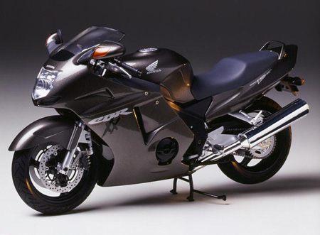 Gambar Sepeda Motor Honda CBR 1100xx Blackbird 06