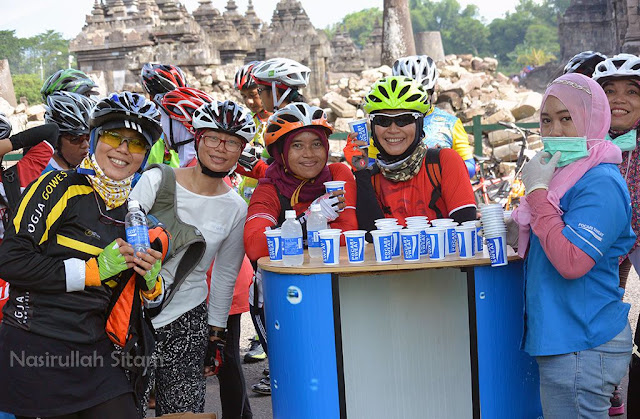 Foto bareng Pocari Sweat
