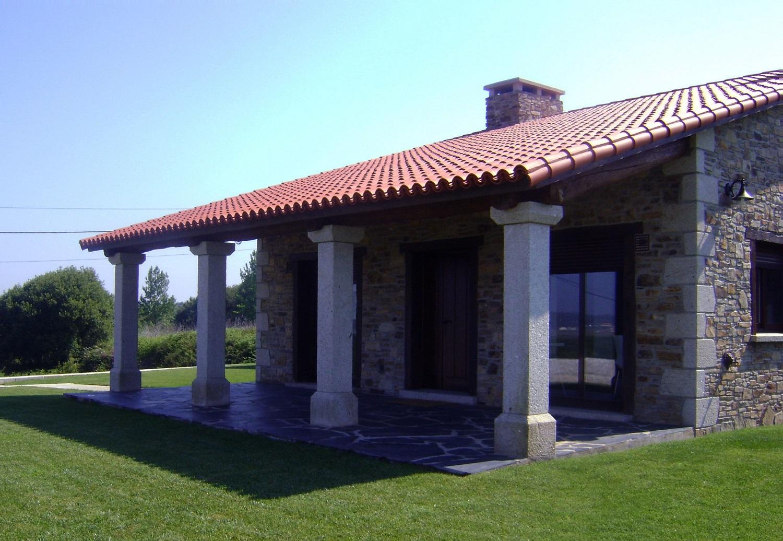Construcciones r sticas gallegas bajo cubierta for Casas con cobertizos