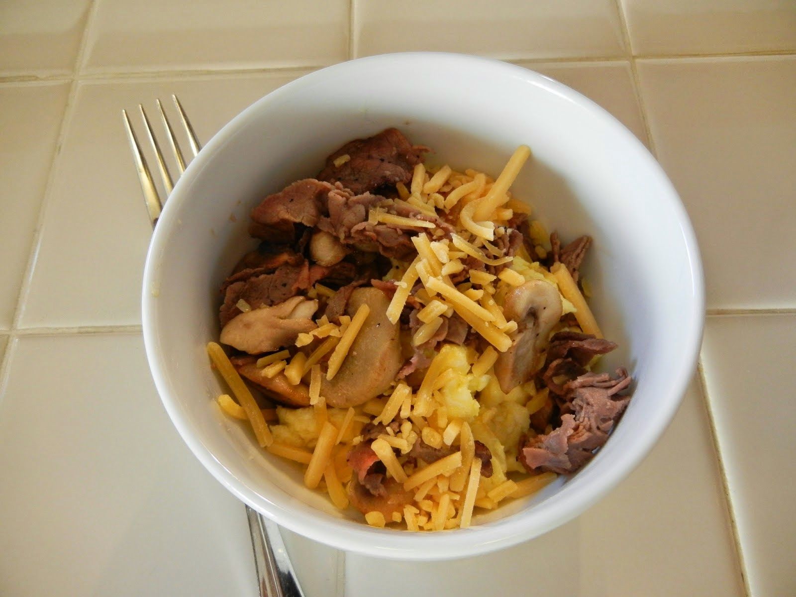 Steak+Mushrooms+Egg+Cheese+Bowl+(1) Weight Loss Recipes 5 Things to Do With Cold Cuts