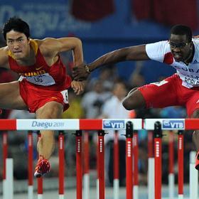 ATLETISMO-Robles agarró a Xiang y ninguno de los dos lograron el oro