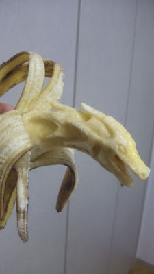 http://4.bp.blogspot.com/-rEeVwc-eIV8/TaUTOKGIPqI/AAAAAAAAQlQ/fAIP8xYqJL8/s400/amazing_bananas_art_02.jpg