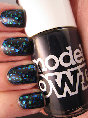 2True-Glitterati-Limited-Edition-Shade-5-glitter