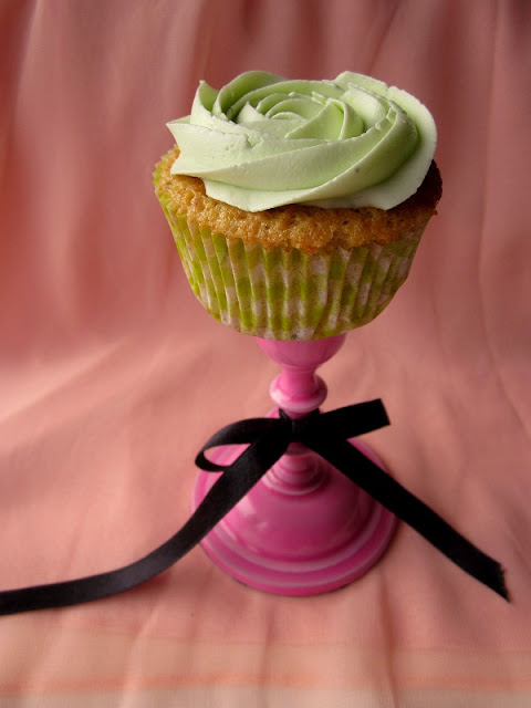 Pistachio & White Chocolate Cupcakes