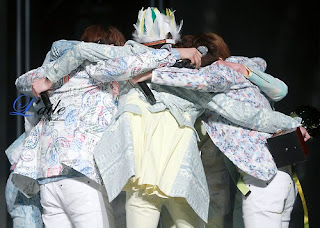 MY FAVORITE PICTURE - GROUP HUG