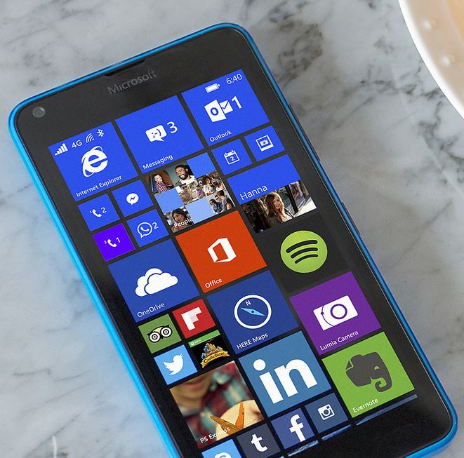 Lumia 550 rumoured to have a front-facing flash