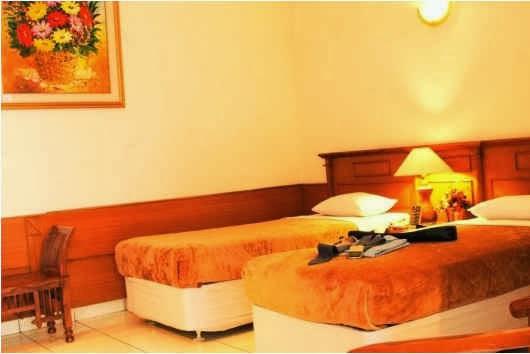 Kamar Standar Double Hotel Guci