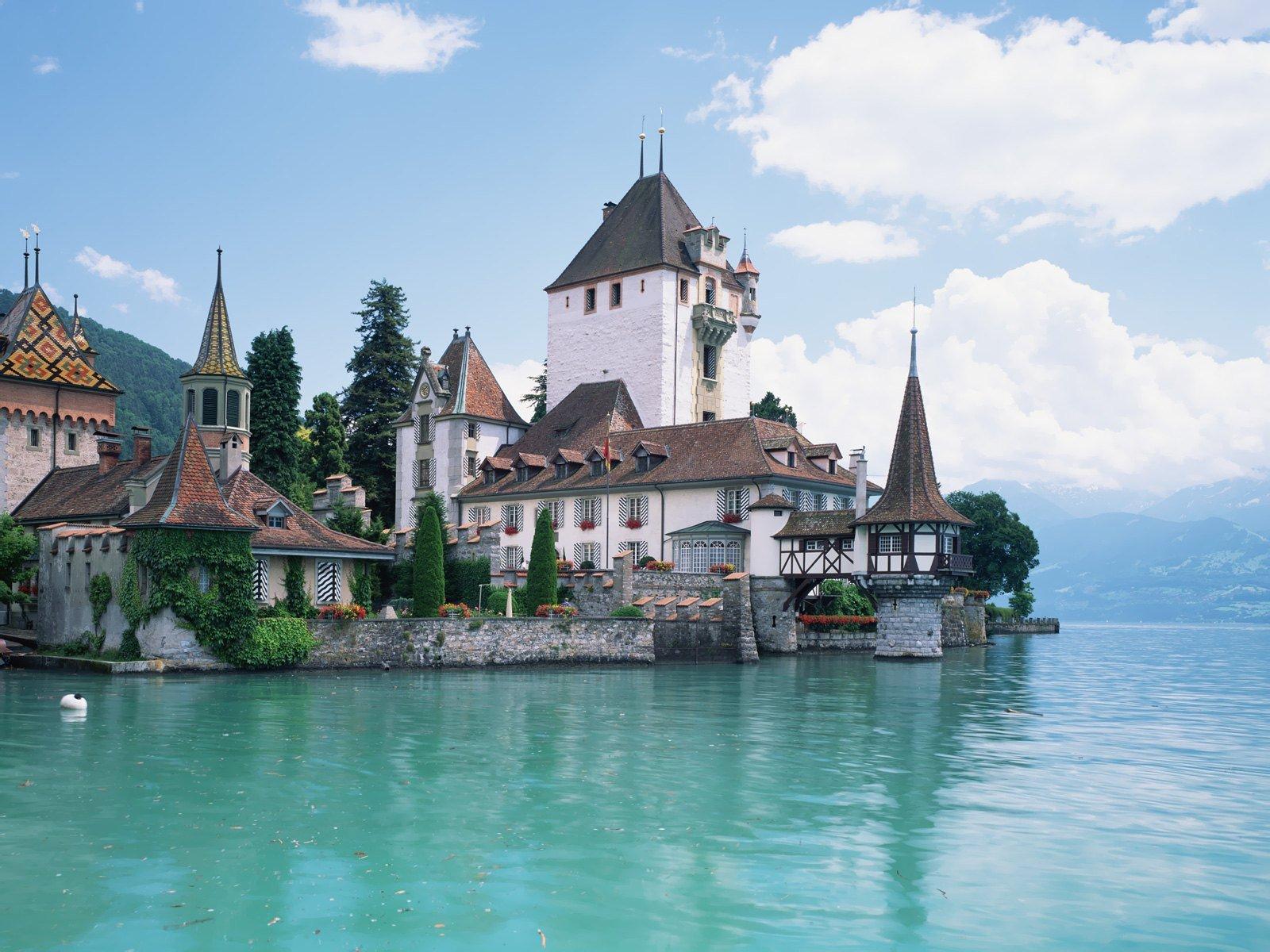 http://4.bp.blogspot.com/-rF8TxpUV8GU/TZkSK5OlbBI/AAAAAAAAAdY/J4_2GeZvp8I/s1600/Switzerland_8171_1600_1200.jpg