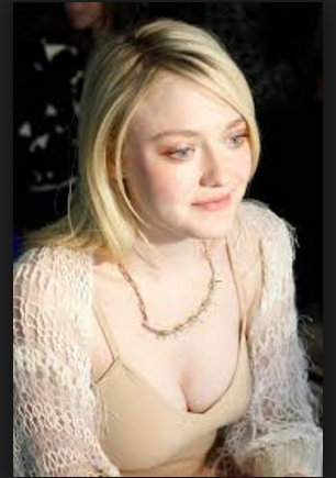 Hollywood Beautiful Hot Sexy model Actress Dakota Fanning