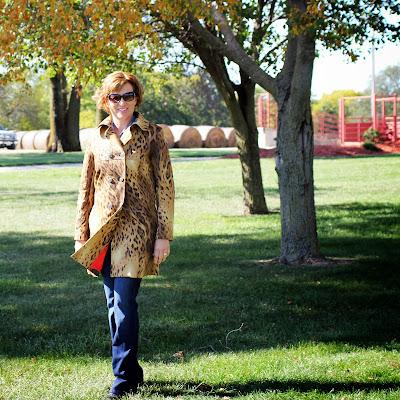Mood fabrics' leopard coat using Vogue 8884