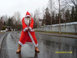 Joulupukkipalvelua ympäri vuoden - Ole rohkea ja tilaa joulupukki ylioppilasjuhliin / kesän häihin