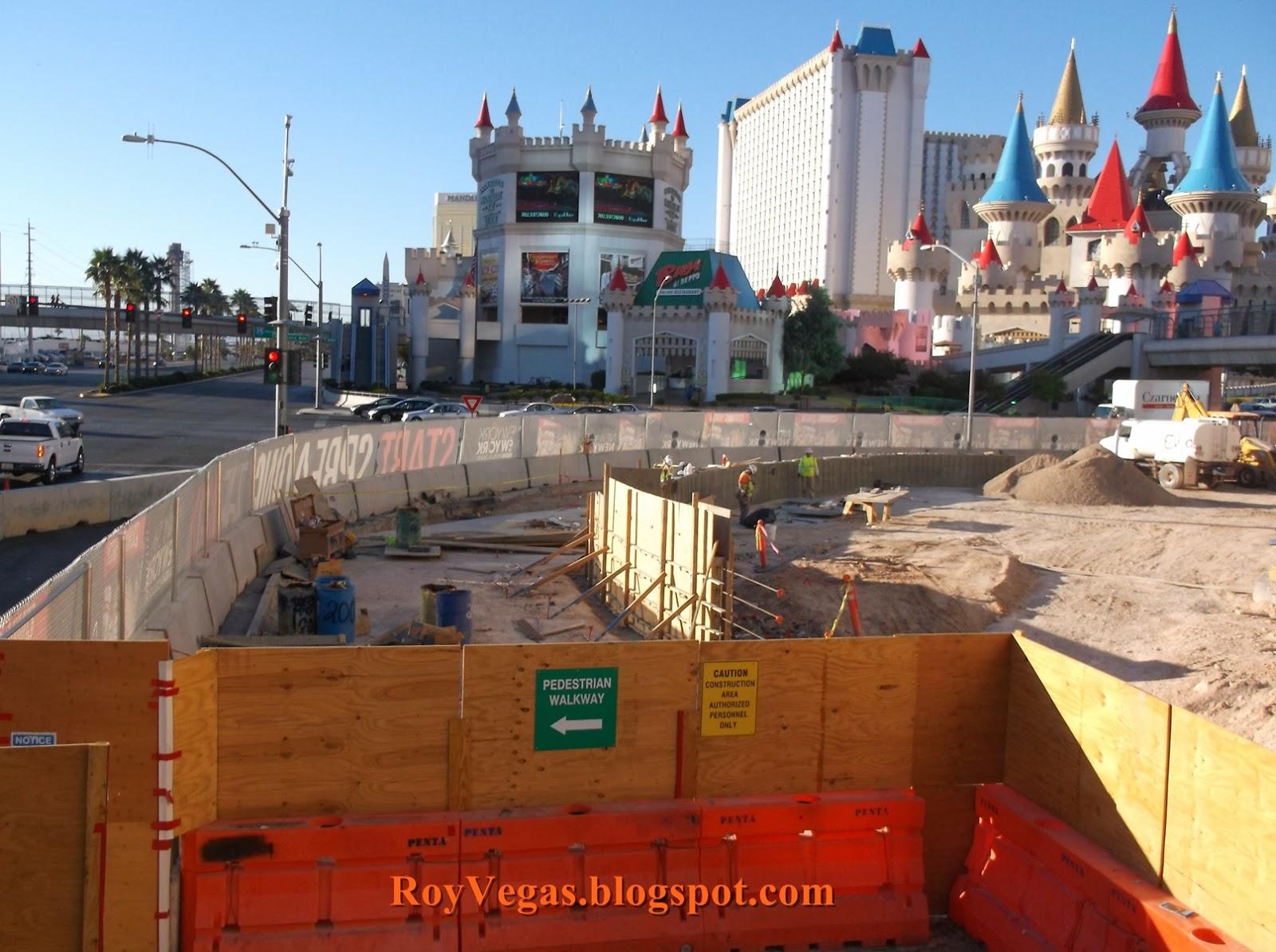 Roy vegas las vegas nyny hotel renovation by outdoor for Yard statues las vegas