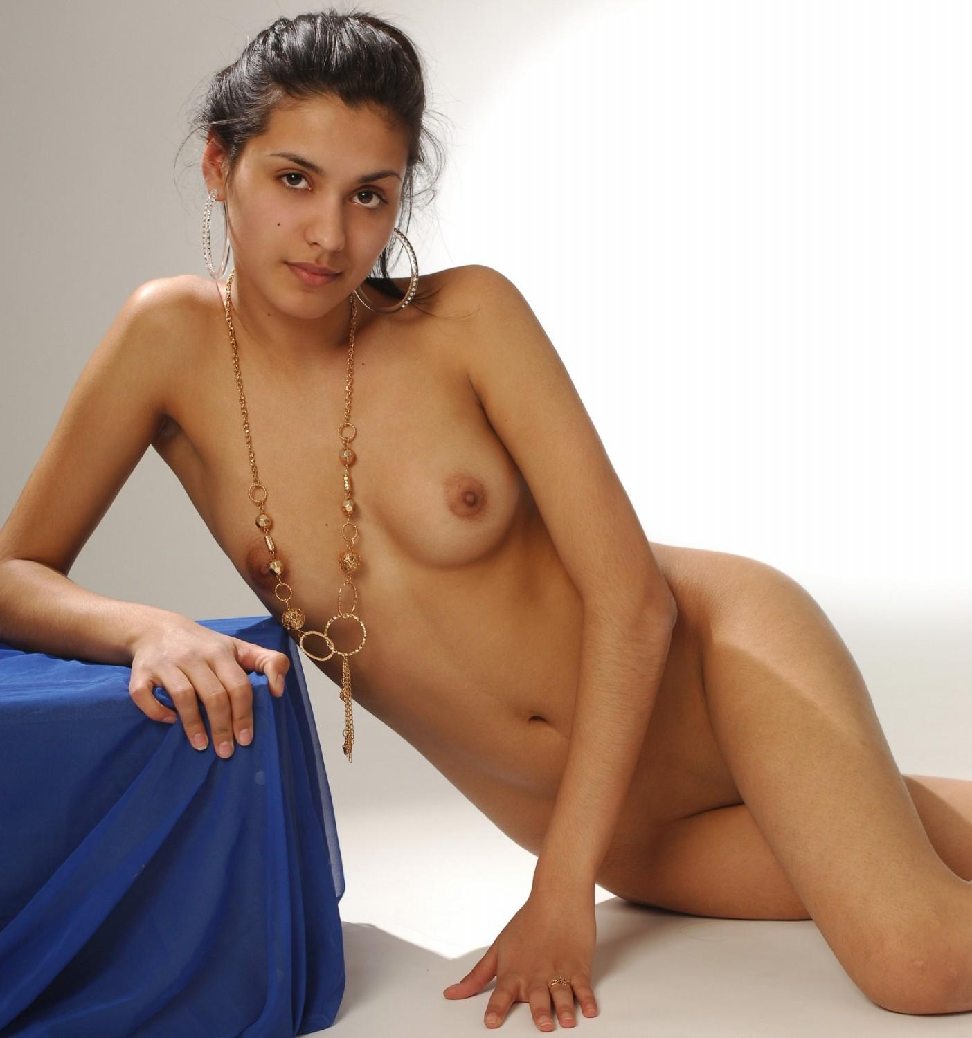 blowjob nude girls giving