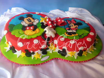 Cristy's Cakes: Minnie y Mickey Mouse de rojo