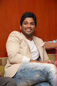 Stylis Star Allu Arjun latest Photos Stills-thumbnail-2