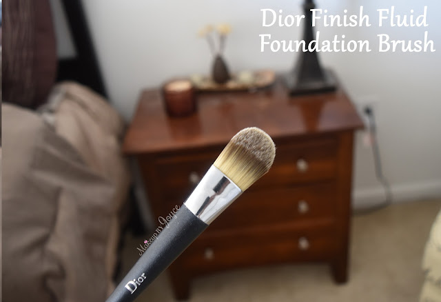 Dior Finish Fluid Foundation Brush Light Coverage Review