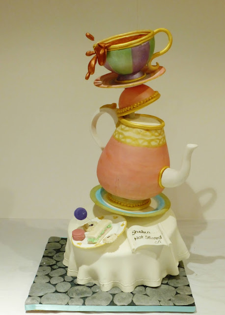 Making A Teapot Shaped Cake