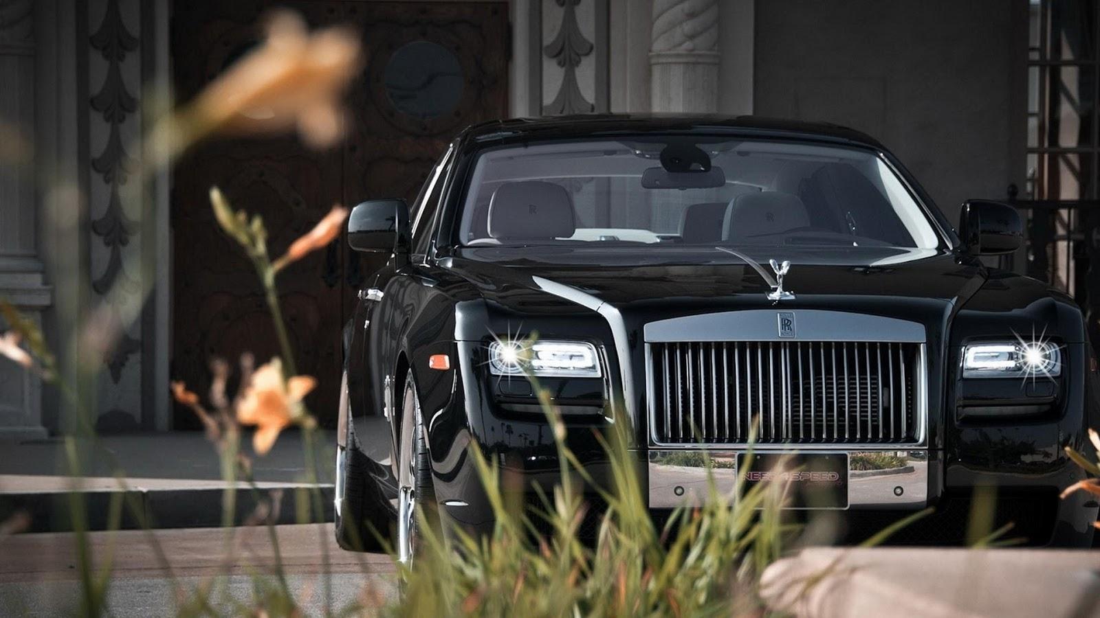 royal cars and bikes wallpapers royals rolls royce. Black Bedroom Furniture Sets. Home Design Ideas