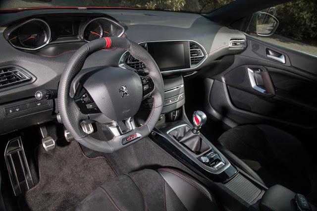 New Peugeot 308 GTi Dashboard