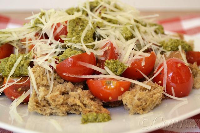 Σαλάτα με ντοματίνια / Cherry tomatoes salad