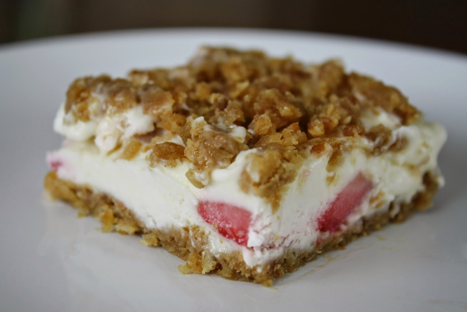 http://www.livealittlewilderblog.com/2014/04/strawberry-crunch-cake-recipe.html