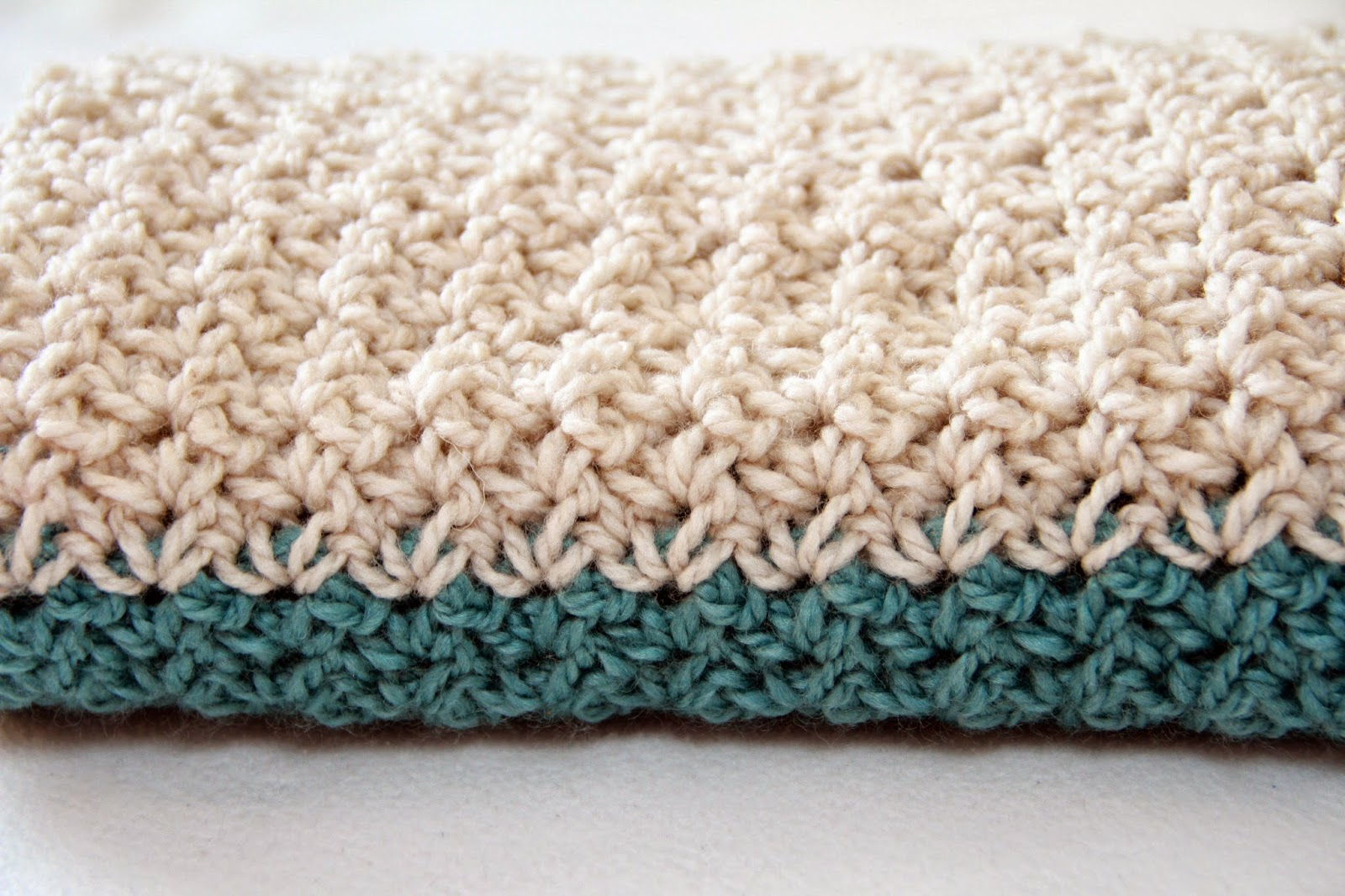 Speckled Frog Crochet: FREE CROCHET NECK WARMER PATTERN