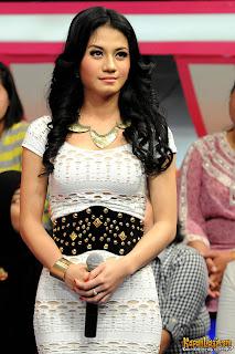 Foto Lina Marlina Terbaru|foto hot lina marlina|lina marlina-kiwil|mp3 dangdut koplo