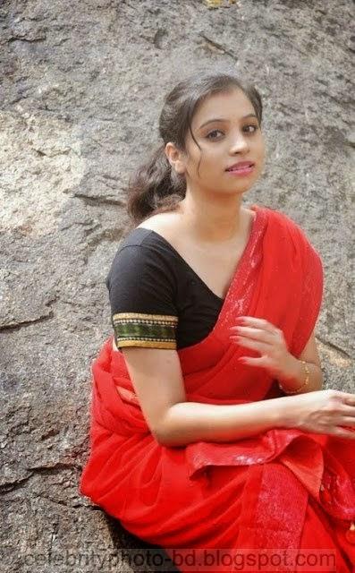 Actress%2BPriyanka%2BNair%2BRed%2BSaree%2BStills%2BSpicy%2BHot%2BPhotos015