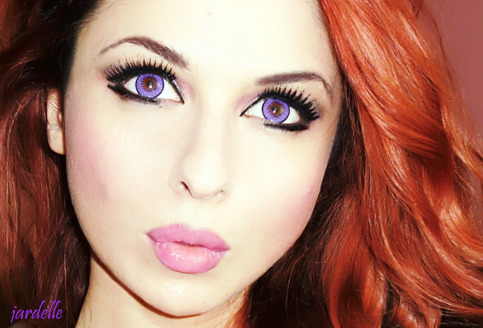 http://4.bp.blogspot.com/-rHVzrgnmPgQ/TliW3KE0pwI/AAAAAAAACRc/6s7al0VfIT0/s1600/jardelle+violet+eyes+1.JPG