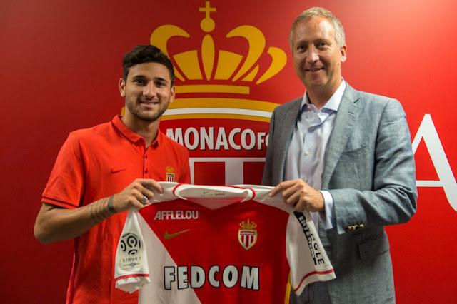 Com contrato até meados de 2020, Boschilia se mostra orgulhoso por chegar à Europa aos 19 anos (Foto: Reprodução/Twitter)
