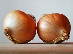 An image of 2 white onions