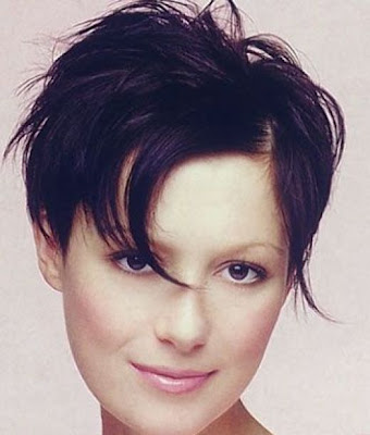 Womens Short Trendy Hairstyle Pictures Gallery