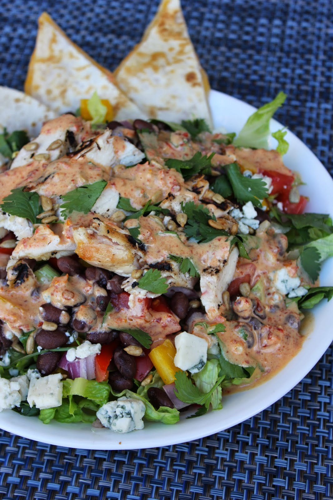 players sports grill chicken chipotle salad spicy healthy vegetarian