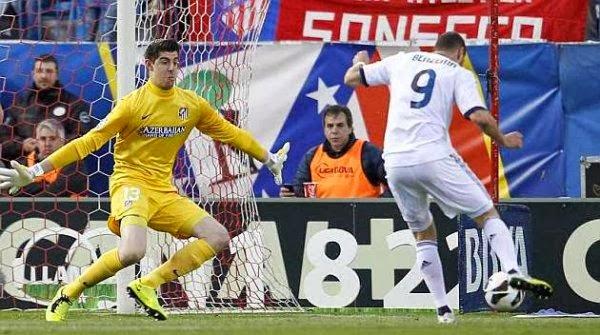 """مباراة ريال مدريد ضد اتلتيكو مدريد تضع بنزيمة في مواجهة عقدته """"الثامنة"""""""