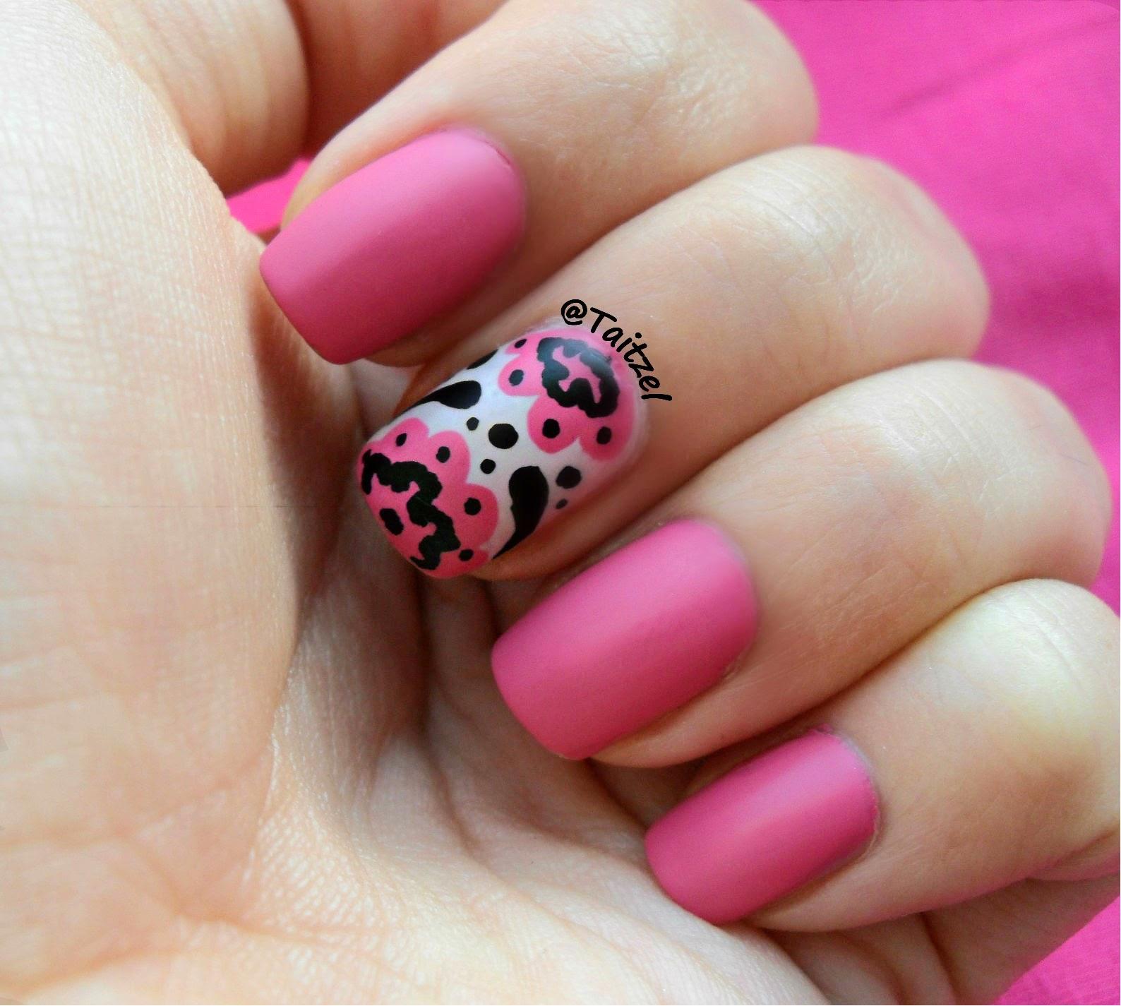 Ногти розовые матовый фото