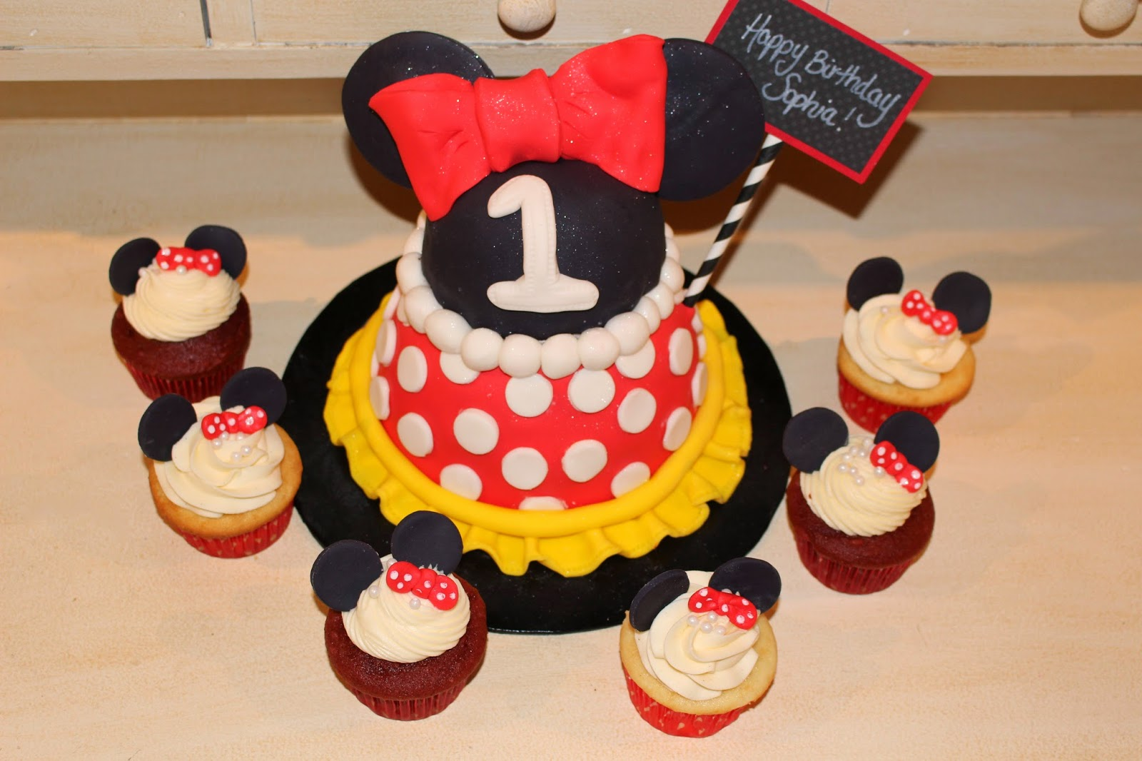 Red Minnie Mouse Cupcakes