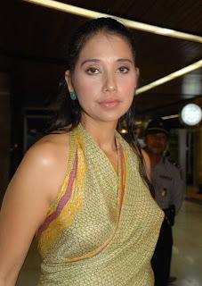 foto terbaru Ayu Azhari - exnim.com