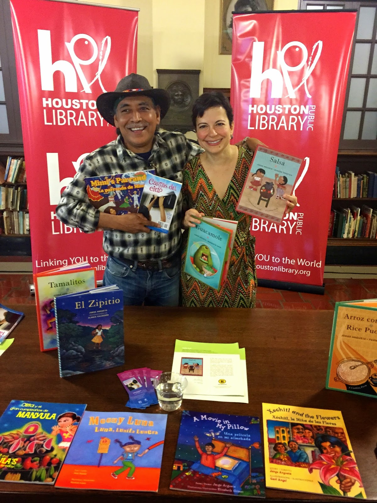 la bloga d iacute a in houston international latino book awards the international latino book awards setting a high cultural standard