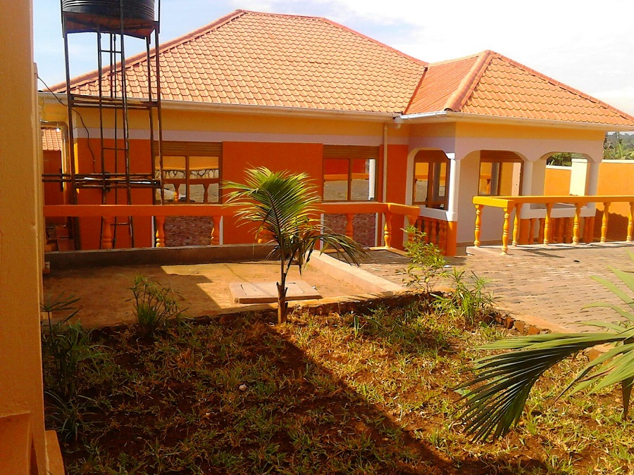 HOUSE FOR SALE MATUGGA KAMPALA. HOUSES FOR SALE KAMPALA  UGANDA