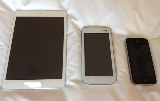 myphone a919 duo, myphone vs iphone, myphone vs ipad mini, myphone a919 duo review