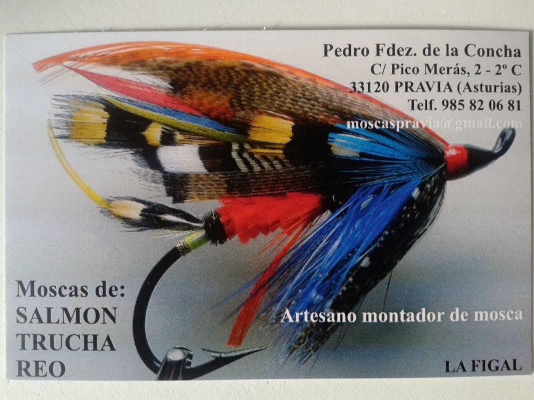En Pravia (Asturias), un artesano de las MOSCAS DE SALMÓN