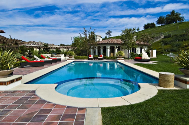 Khloe Kardashian Buys Justin Bieber's LA Home for $7.2 Million