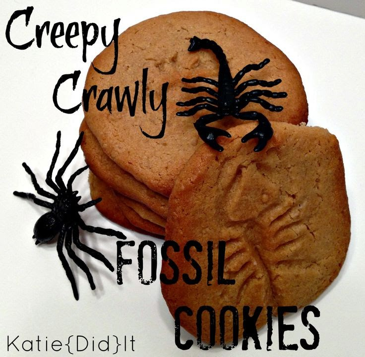 Creepy Crawly Fossil Cookies by Katie Did It