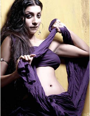Hot Deepal Shaw Bollywood Actress, Model, Singer
